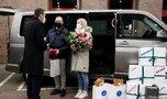 Premier zaskoczył rodziców pięcioraczków! Wręczył im praktyczny prezent