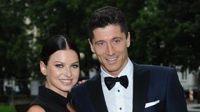 Robert Lewandowski pokazał zdjęcie ze spaceru z żoną z córką