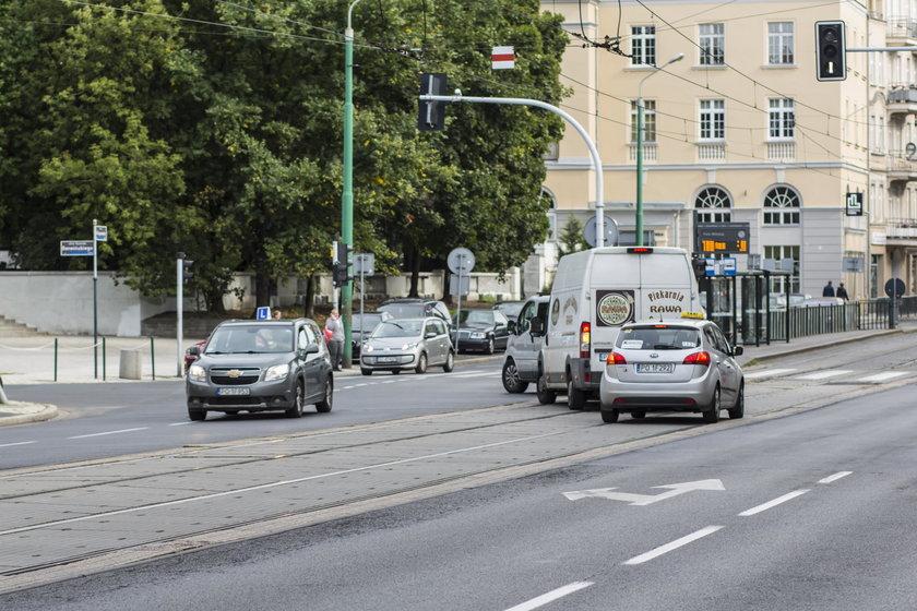 Zlikwidują lewoskręt z Głogowskiej w Berwińskiego