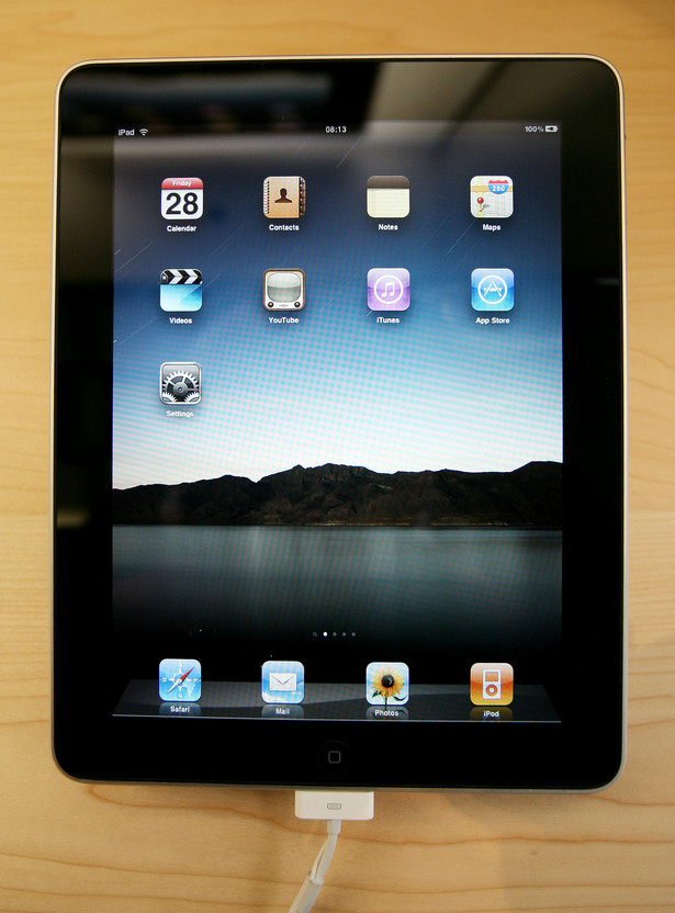 Zagraniczni partnerzy Apple rozpoczną w lutym ograniczoną produkcję iPadów drugiej generacji, zaś w maju wystartuje produkcja iPhonów piątej generacji. Fot. Bloomberg
