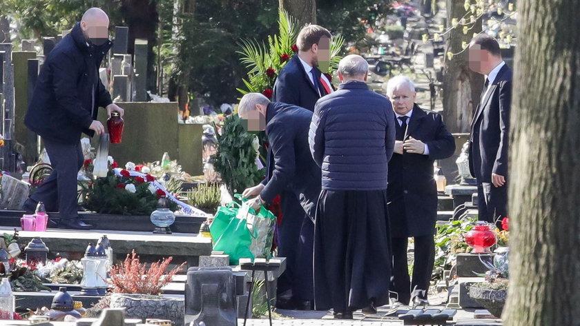 Jarosław Kaczyński na Powązkach