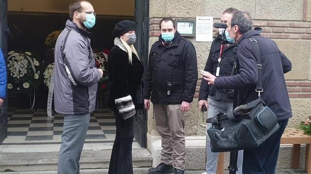 Andrijana na sahrani Džeja