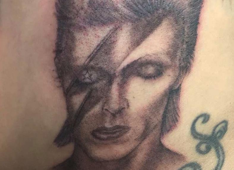 Lady Gaga wytatuowała sobie Davida Bowiego