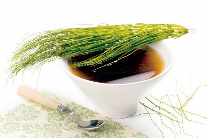 Čaj u vodi mora da odstoji bar dva minuta