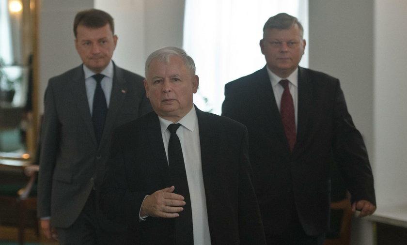 PiS chce wymieść urzędników?!