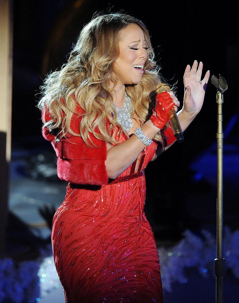 Mariah Carey podczas występu 3 grudnia 2014 roku w Nowym Jorku