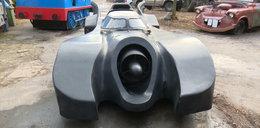 W garażu ma Batmobila! Stworzył ponad 70 aut z filmów