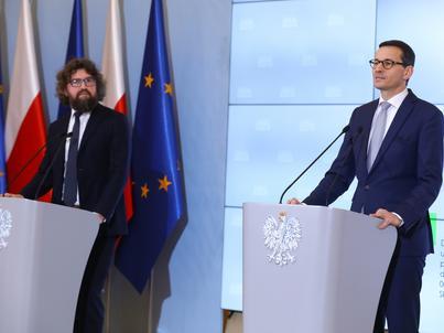 Start programu termomodernizacji ogłosili premier Morawiecki i wiceminister przedsiębiorczości i technologii Piotr Woźny