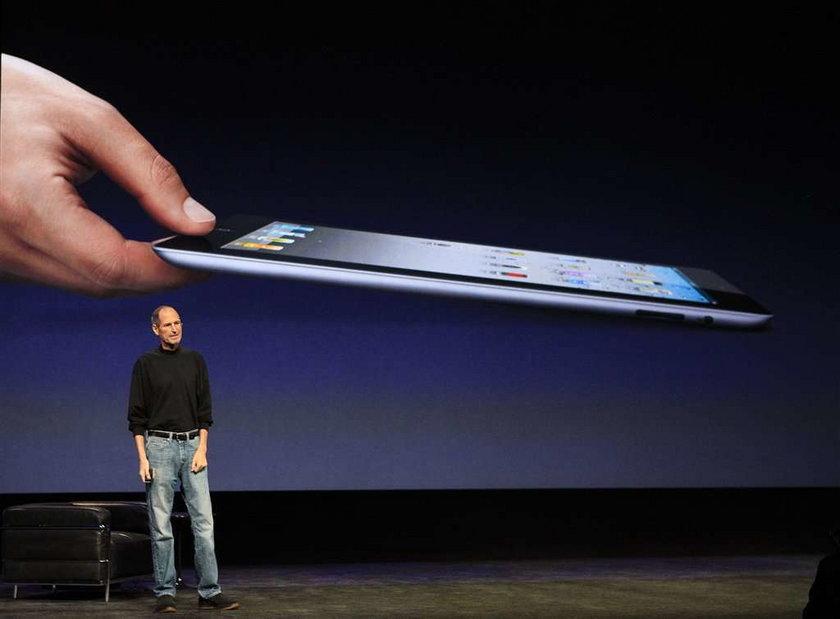 Buzek przez iPhone'a złożył hołd Jobsowi