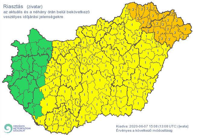 Riasztás zivatarok miatt, vasárnap délutánra / Forrás: met.hu