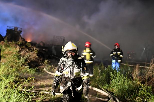 Wszedzeń: płonie składowisko śmieci