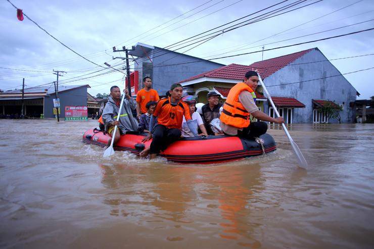 Indonezija EPA DAENG MANSUR