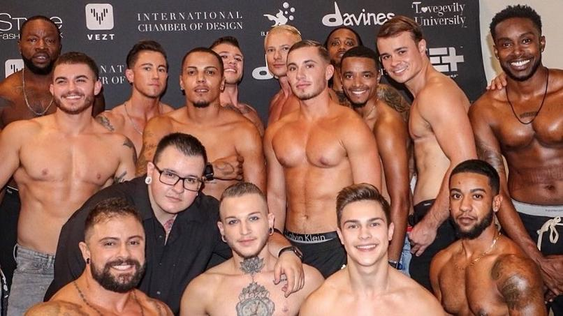 Hi Boys! Transgendermodels der Marco Marco Show in New York.