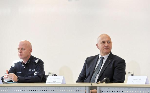 Jarosław Szymczyk, komendant główny Policji oraz Joachim Brudziński, szef MSWiA