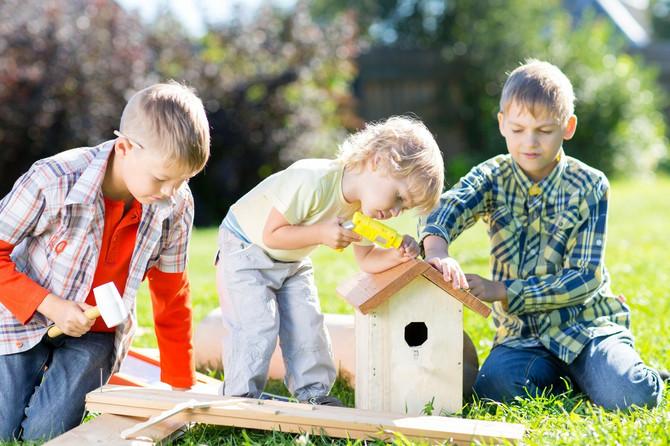 Razvijanje samostalnosti, odgovornosti i sticanje radnih navika isključivo zavisi od zahteva koje roditelji postavljaju pred svoju decu