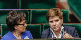 Ta minister kasuje bukmacherów. Typuje bezbłędnie wyniki!