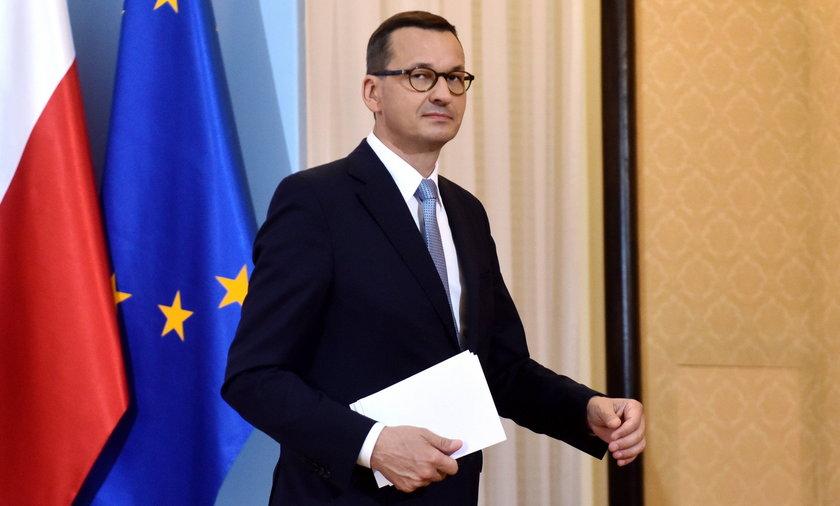 Zdaniem Sławomira Dudka z FOR premier Mateusz Morawiecki dobrze wie, że potrzebuje dodatkowych pieniędzy na swoje obietnice.