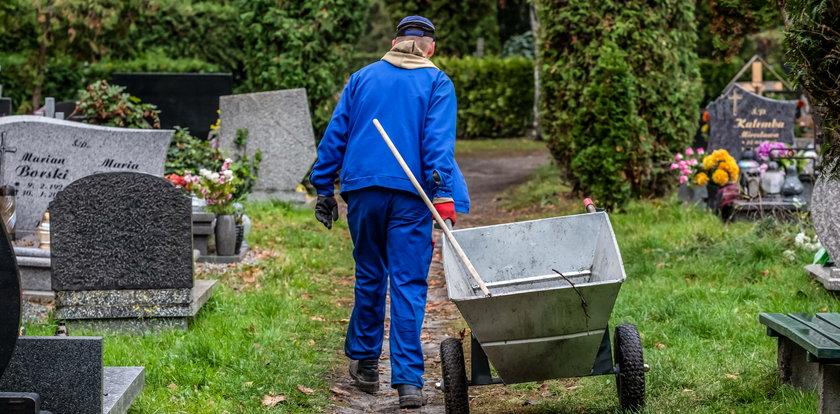 Posprzątają groby seniorom