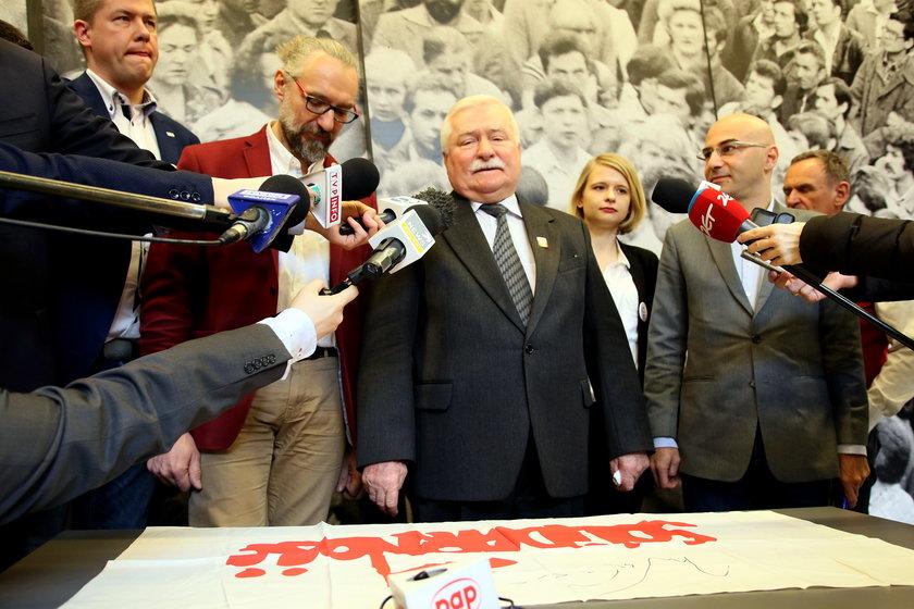 Komornik zajął konto Wałęsy!