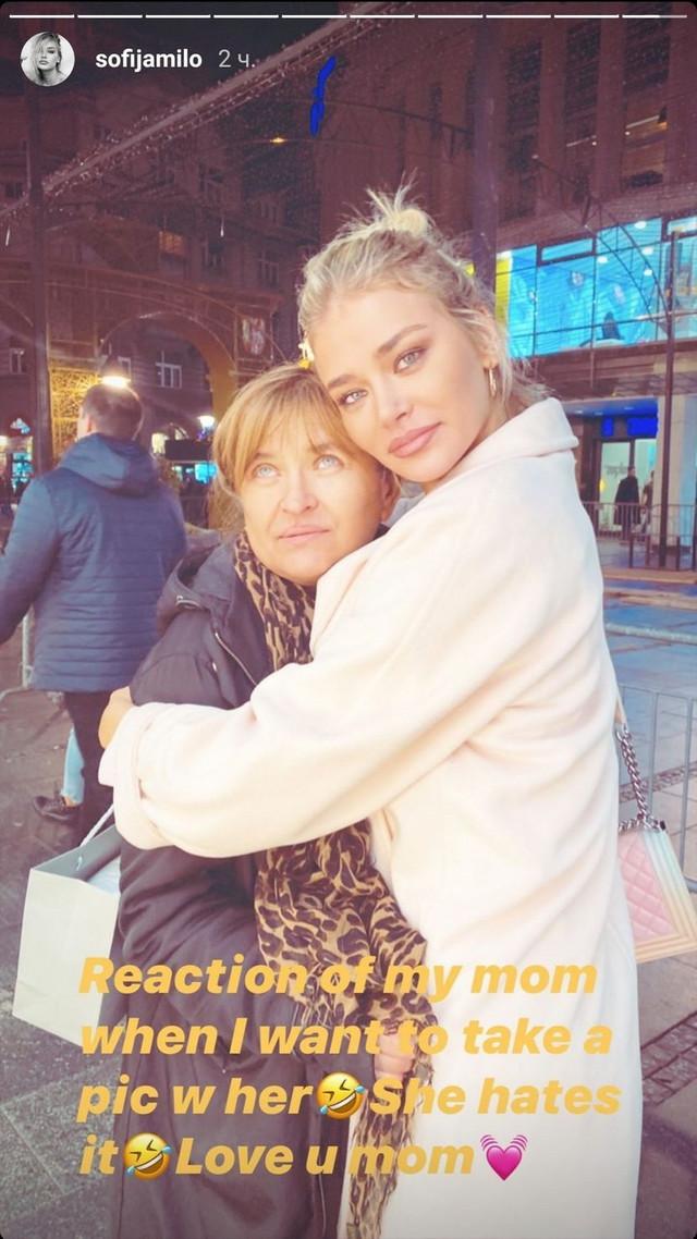 Sofija sa mamom