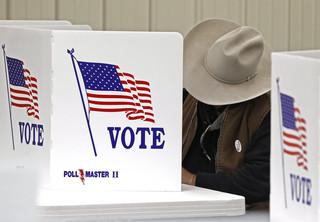 Eksperci nie wykluczają ingerencji hakerów podczas wyborów w USA