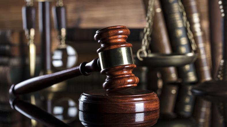 Prokurator wziął 300 tys. złotych łapówki. Sąd go uniewinnił