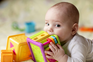 UOKiK: Niektóre zabawki dla najmłodszych zawierały toksyczny związek