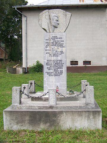 Pomnik Belojanisa w Krościenku