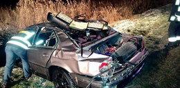 Śmiertelne dachowanie BMW. Nie żyje 19-latek