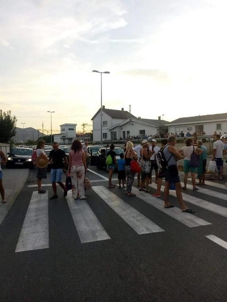 Podgorica, blokada, voz, putnici, privatma arhiva Facebook