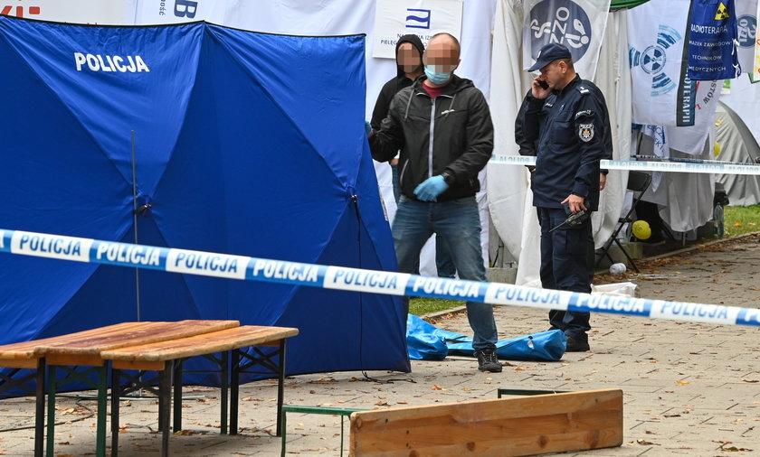 Do tragedii doszło podczas konferencji prasowej Ogólnopolskiego Komitetu Protestacyjno-Strajkowego Pracowników Ochrony Zdrowia.