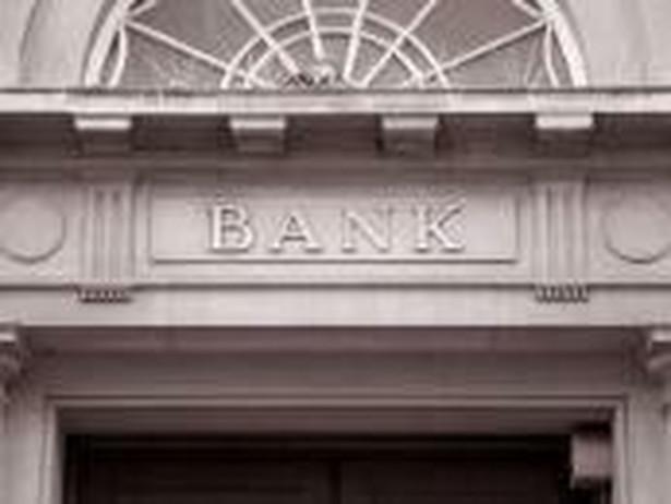 W kilku przypadkach BFG udzielał pomocy bankom, które zgodziły się przejmować SKOK-i będące w tarapatach