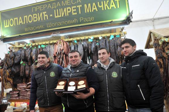 Pobednik Sajma: Radomiru Šopaloviću zlatne medalje za svinjsku i ovčju pršutu