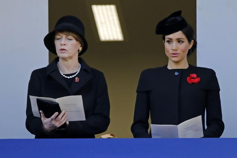 Księżna Meghan i Theresa May