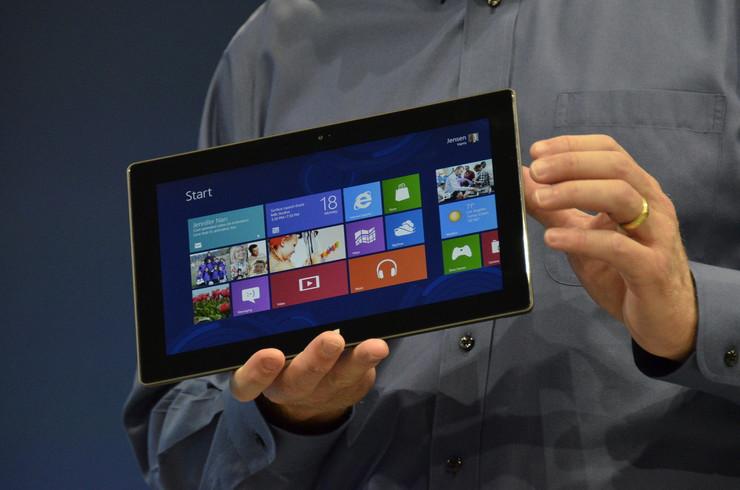 252886_microsoft-tablet-surface-foto01-afp-joe-klamar