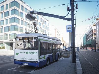 Jedną z firm już teraz produkujących autobusy elektryczne jest Solaris