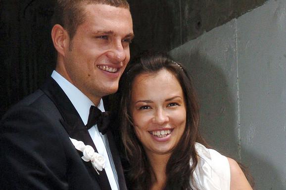 OD ZLATIBORA DO MANČESTERA Ana je na svadbi sa Nemanjom Vidićem imala kilograme viška, a pogledajte je danas, prava BOMBA