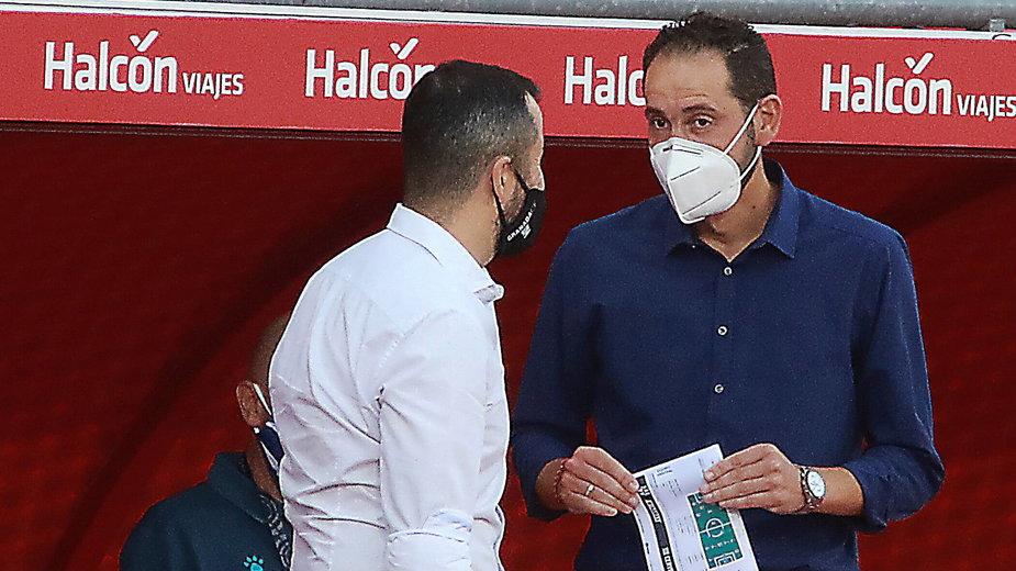 Trenerzy w LaLiga, tu Diego Martinez (z lewej) i Pablo Machin, nie mają powodów do zadowolenia