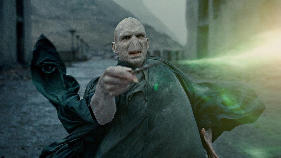 """Ralph Fiennes jako Voldemort w filmie """"Harry Potter i Insygnia Śmierci"""""""
