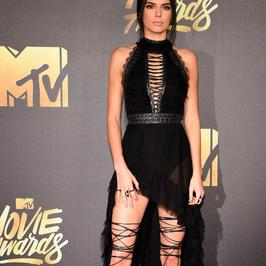 Kendall Jenner na gali MTV Movie Awards. Wow!