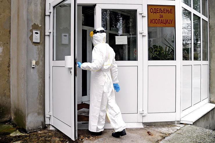Infektivna klinika, Beograd, skafander, koronavirus