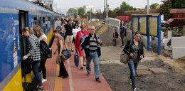 Uwaga! Rewolucja na peronach SKM w Rumi Janowie i na Chyloni!