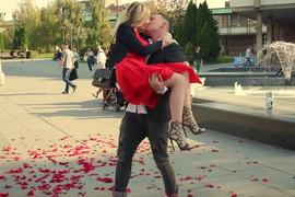 """DANIJELA KARIĆ REKLA """"DA"""" Svi detalji FILMSKE PROSIDBE usred Beograda (VIDEO)"""