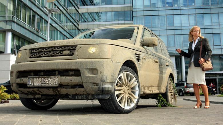 RR Sport to wszechstronne auto: pojedziecie do opery, do pracy a także na wycieczkę za miasto.
