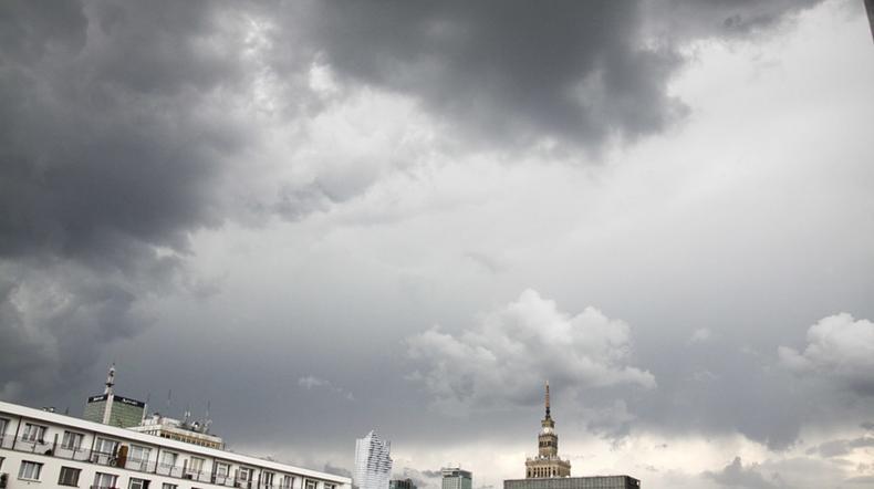 Niebo nad Polską wciąż może być zachmurzone, ale pojawi się też wiele słonecznych chwil