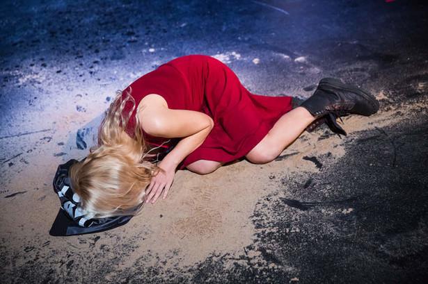 """""""Wojna to tylko kwiat"""" w Teatrze Warsawy, fot. Katarzyna Chmura - Cegiełkowska"""