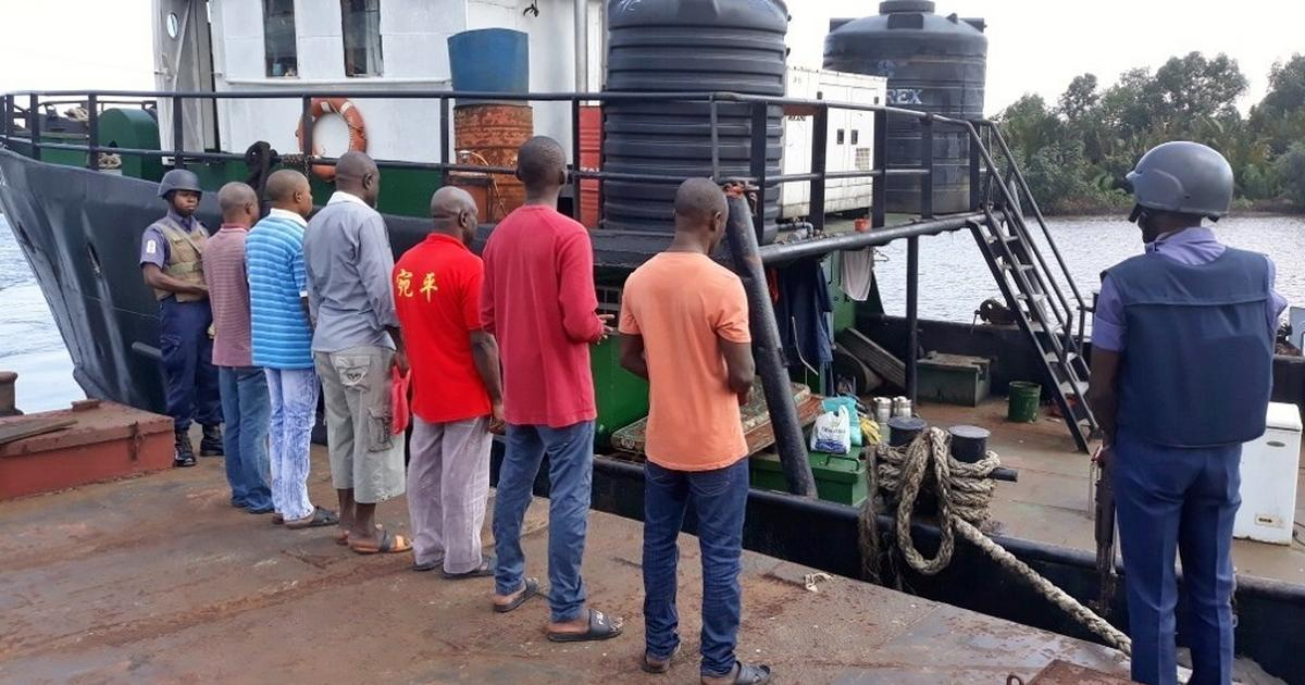 Navy nabs 11 suspected smugglers, seizes 483 bags of rice in Akwa Ibom - Pulse Nigeria