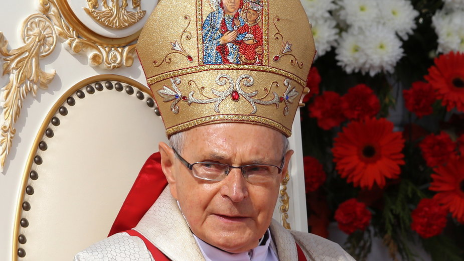 Bp Antoni Długosz przewodniczy mszy świętej na Jasnej Górze