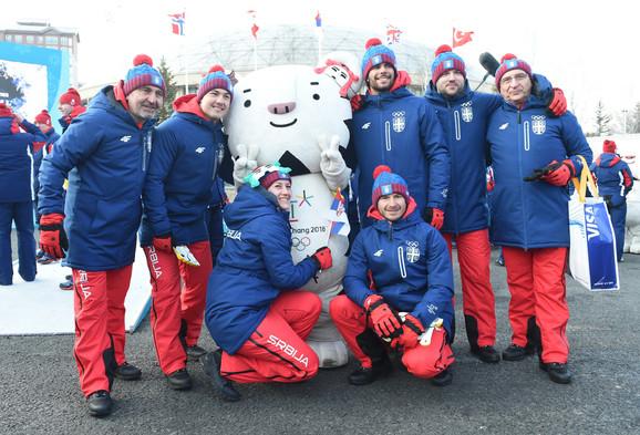 Štajner sa našim olimpijcima i njihovim trenerima