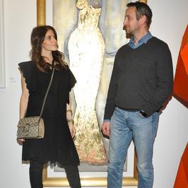 Ciężarna Weronika Rosati z partnerem i inne gwiazdy na otwarciu Galerii Sarapata Art Gallery 2017